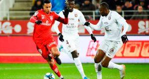 Jhonder Cádiz suma minutos en Francia