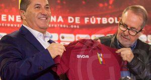 «Si no nos prestan a los jugadores de Europa, Peseiro pueda que no dirija a la Selección» dijo Laureano González