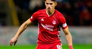 Ronald Hernández debuta en Escocia
